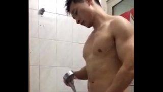 Sexo gay com japones