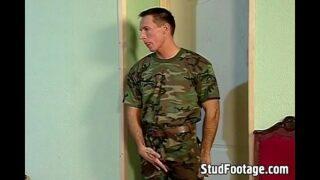 Orgia militar gay quente e sexy