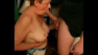 Vovô fazendo sexo